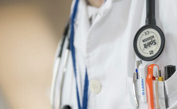 Ile zarabia lekarz medycyny sądowej